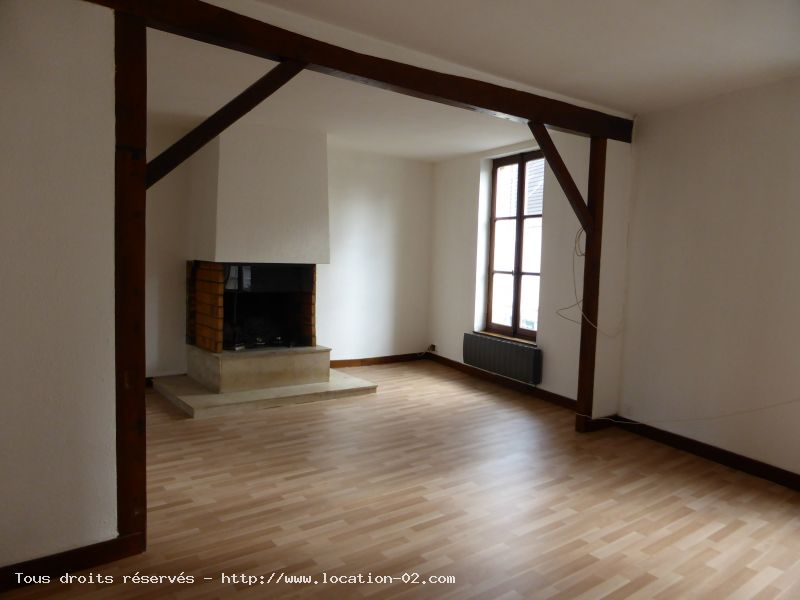 APPARTEMENT - CHARLY SUR MARNE - 4 pièce(s) - 110 m² :: Loyer mensuel : 650 €
